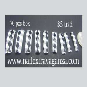 Tips 70pzs box Triangulos black and white