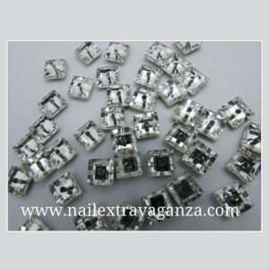 (f) Square decoration rhinestone with metal flat base 4mm (2 per bag)