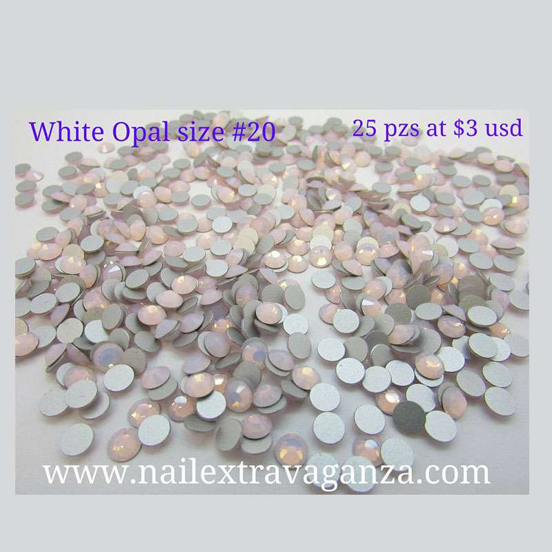 Swarovski #20 Opal White Color Flat Back (25 pzs)